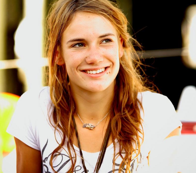 the best attitude 8408e 5d63b Biography - Laura Dekker World Sailing Foundation